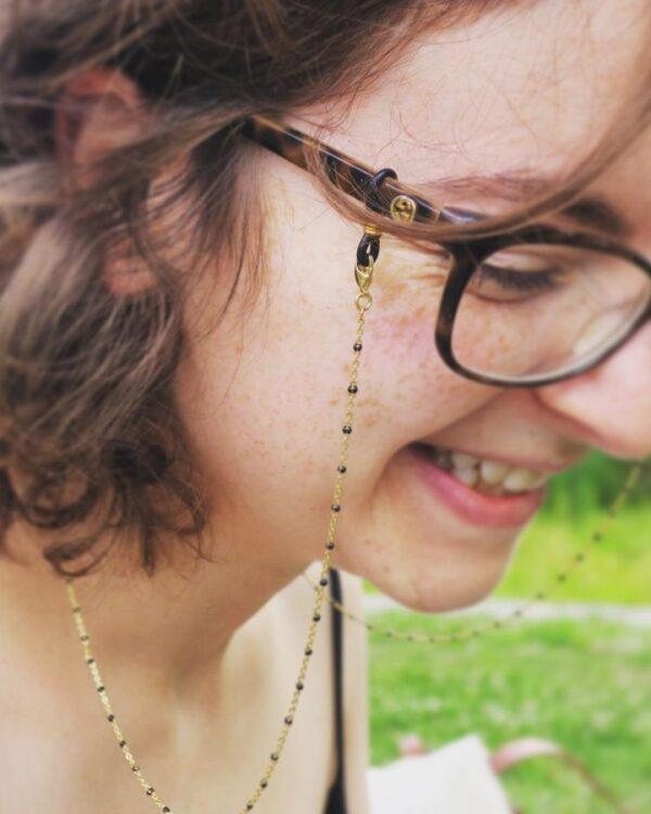chaine-de-lunettes-tendance-doree-acier-inoxydable-perles-noires-alhena