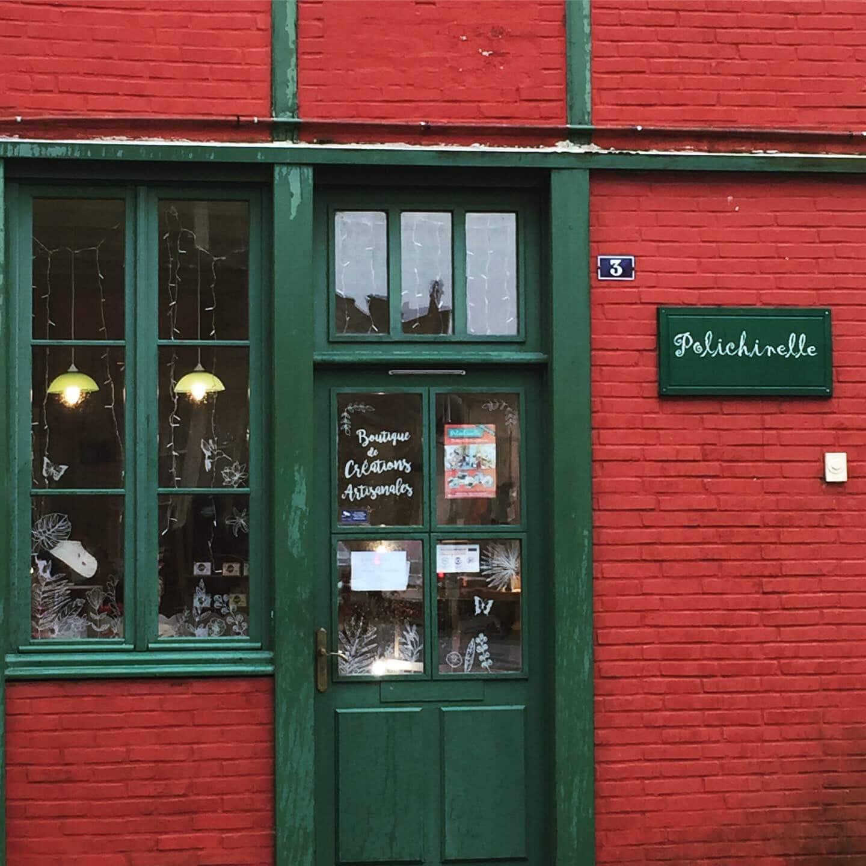 Façade de la boutique de créatrices Polichinelle située à La Roche-Bernard dans le Morbihan en Bretagne