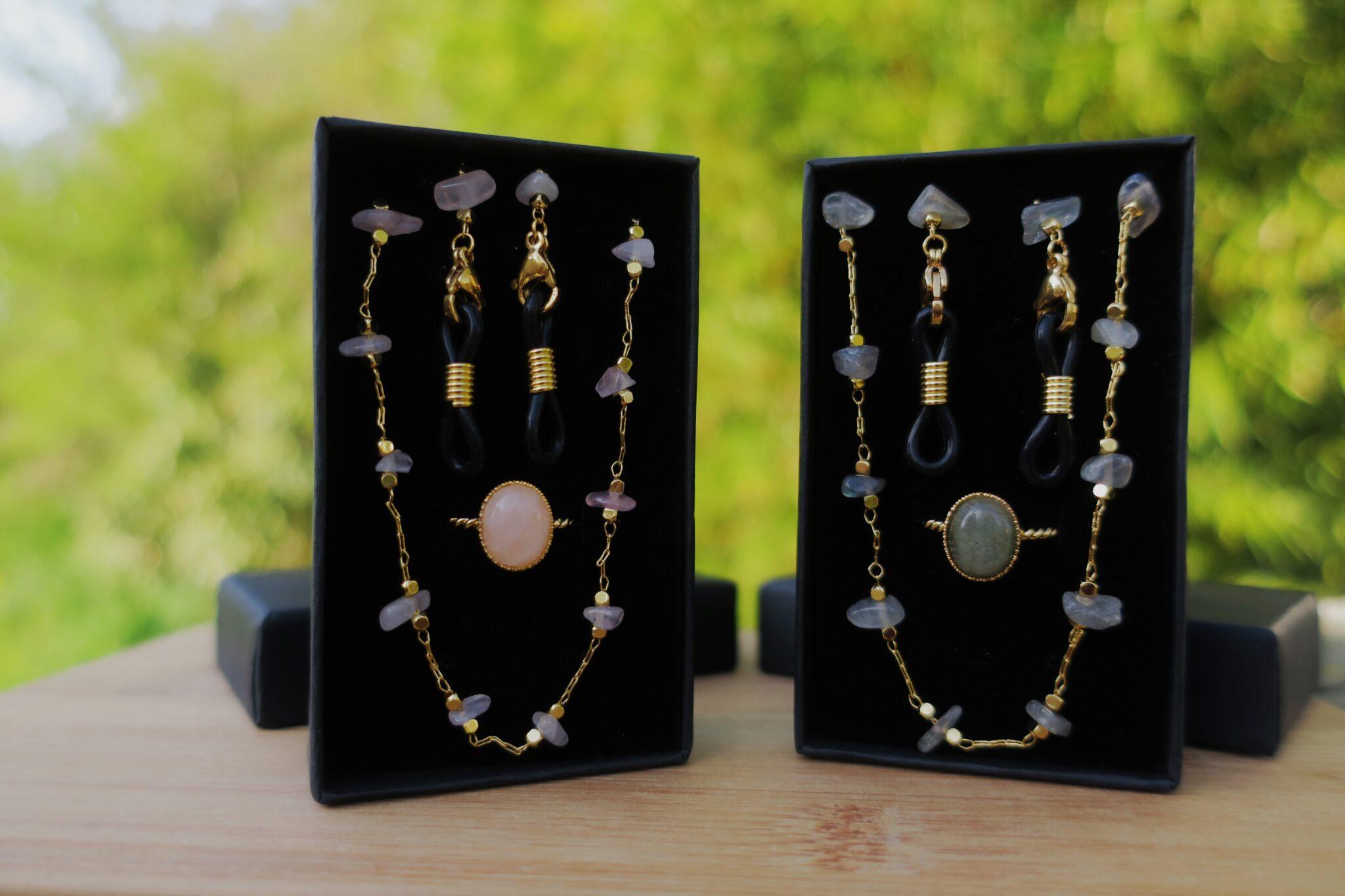 Chaine de lunettes et bague à pierre semi précieuse labradorite et quartz rose coffrets cadeaux fête des mères pour femmes