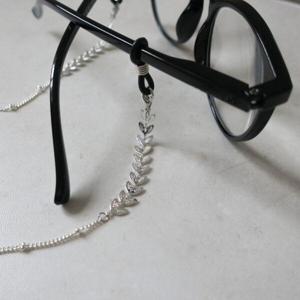 Chaine lunettes fantaisie argentée