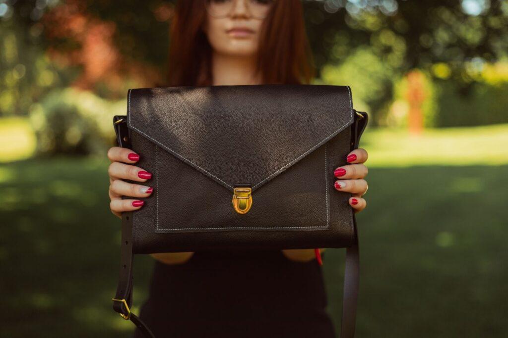 sac cartable fait main cuir noir